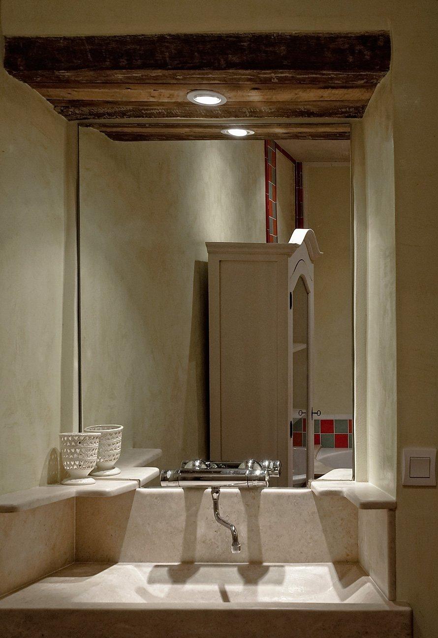 Salle De Bain Provencale la provencale: etage1 salle de bain - logis du bourg