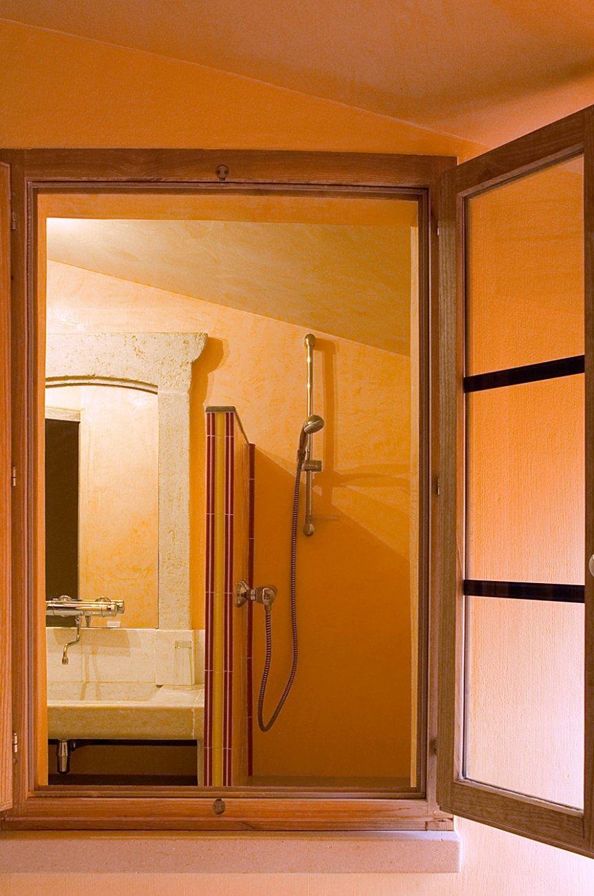 Salle De Bain Provencale the provençale - logis du bourg