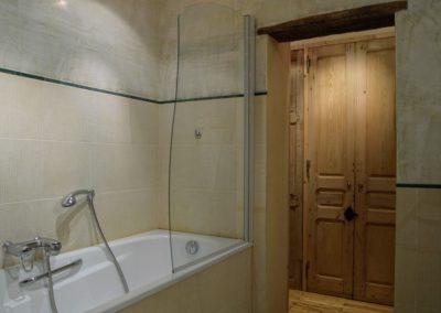 The blue house: First floor - Bathroom