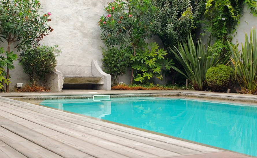 Logis du bourg piscine logis du bourg for Bourg argental piscine